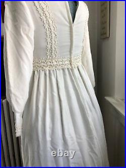 60s Gunne Style Cream Velvet Renaissance Edwardian hippy wedding dress 36 M