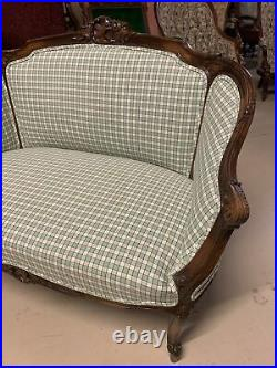 Antique French Walnut Louis XV Style Carved Settee Loveseat Bench Sofa 2-Seater