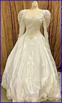 Elegant White 1980's Style Ballgown Wedding Dress Renaissance Faire Gown Size S