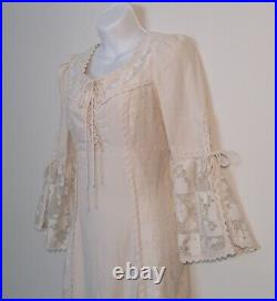 Lovely Vintage 1970s Style GUNNE SAX by Jessica Ivory Lace Maxi Dress 1969 Label