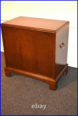 Vintage Ethan Allen Traditional Style Cherry Bachelors Chest/Nightstand