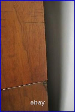 Vintage Mid Century Modern Paul McCobb Style Walnut Credenza Hutch China Cabinet