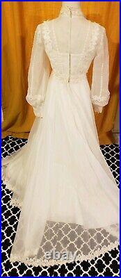 Vtg Victorian Prairie Wedding Dress white flower ILGWU v neck gunne sax style